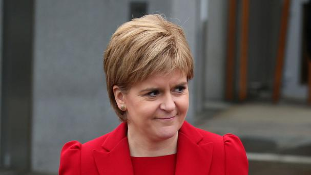 Nicola Sturgeon is to establish an advisory panel with experts to advise her on legal, financial and diplomatic matters as she seeks to continue Scotland's membership of the EU