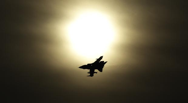 Airstrikes have inflicted damage on Islamic State's financial position, a report says