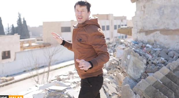 John Cantlie in a previous video released by Islamic State