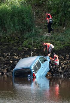 The car being pulled from the River Clyde