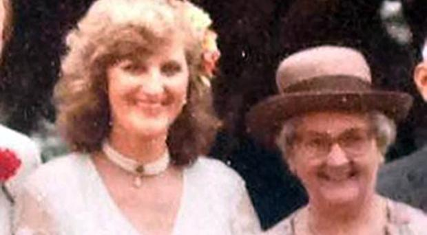 Sue Westhead on her wedding day with her mother Ann Metcalfe after her transplant (BBC Newcastle)
