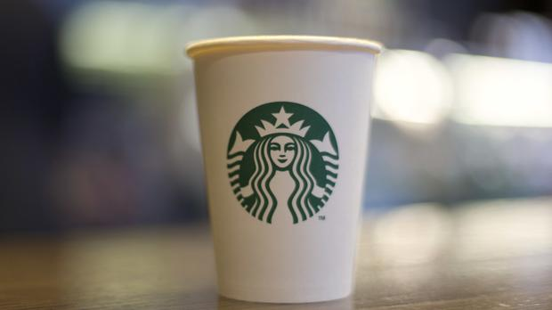 Disposable coffee cups should be slapped with a 5p charge to cut down on the number of them being thrown away, the Liberal Democrats have suggested