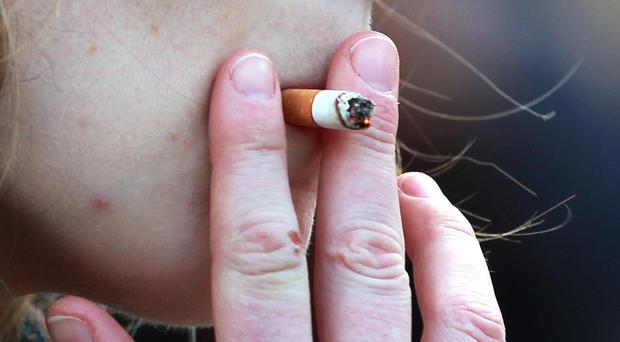 Many smokers delay quitting for years because they fear they will put on weight, a survey has found