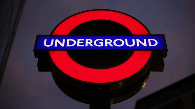 A 19-year-old man has been arrested after a suspicious device was found on a Tube train