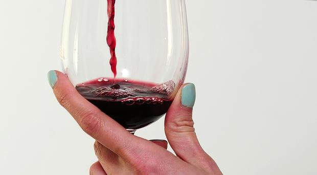 Red wine can help prevent damage caused by smoking, research suggests