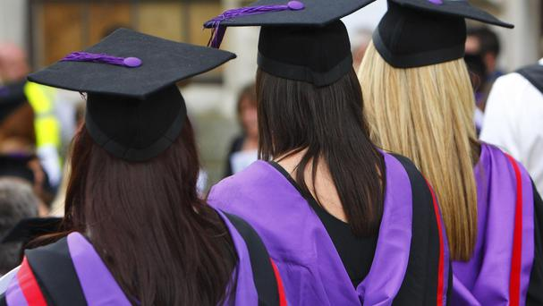A report has revealed a big gap in the earnings of graduates from different backgrounds