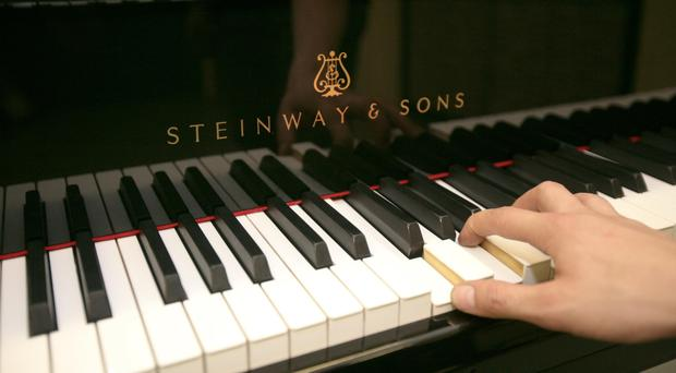 Playing the piano can help older people feel good