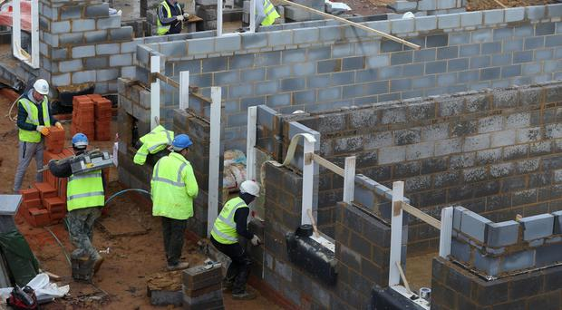 Around 8% of construction workers in the UK are EU nationals, according to a report