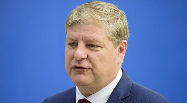 Angus Robertson called on the Prime Minister to offer a compromise to