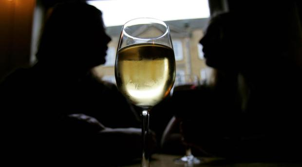 Drinking no more than 14 units of alcohol per week offers a protective effect for the heart, a study showed