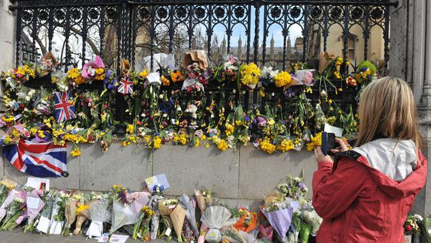 United Kingdom  police, Muslim youths to link hands to mark London attack