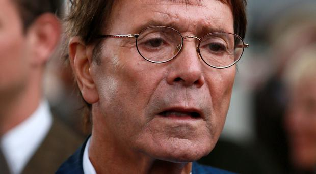 Sir Cliff Richard settles with Yorkshire police over raid