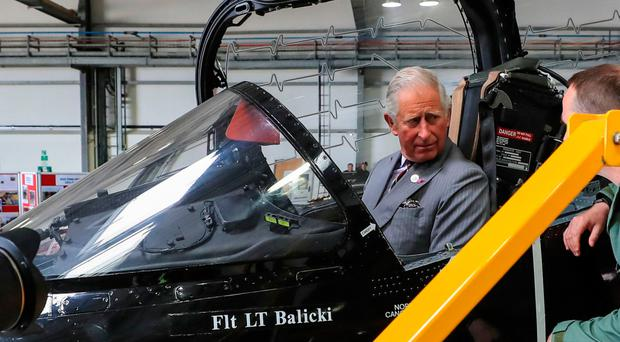 The Prince of Wales viewing a Hawk T2 aircraft