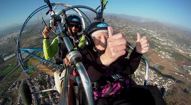 Connie Smith paragliding
