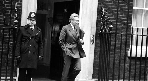 Michael Heseltine storms out of Number 10 in 1986(PA)