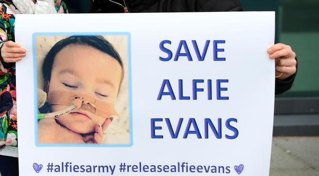 Support for the parents of Alfie Evans (Peter Byrne/PA)