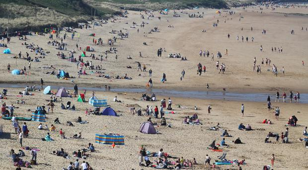 Parts of the UK are set to experience another mini-heatwave as temperatures are expected to climb as high as 28C