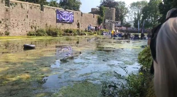 The annual moat race at Bishop's Palace in Wells (lifestyledistrict.co.uk)