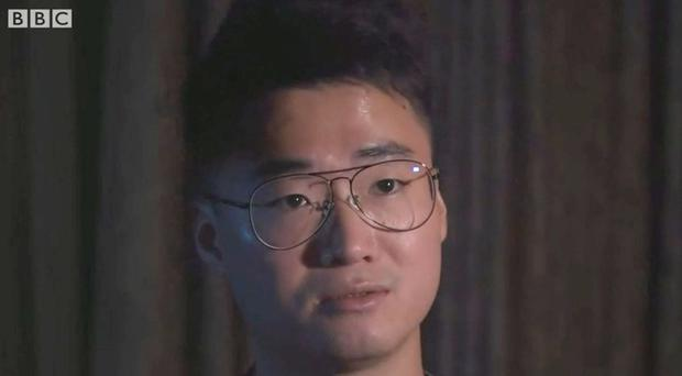 Simon Cheng says he was shackled, blindfolded, and hooded (BBC News)