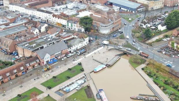 The Environment Agency are putting up a flood barrier in the centre of Stratford-on-Avo (Environment Agency/PA)