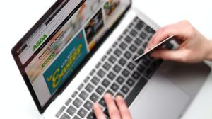 A record-breaking 5.9 million shoppers bought food online last month, according to new figures (Tim Goode/PA)