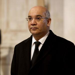 Keith Vaz believes Labour should include plans for a referendum on Britain's EU membership in its next manifesto
