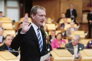 Mr Scott taking the oath of allegiance during the first day of parliamentary business (Andrew Cowan/Scottish Parliament/PA)