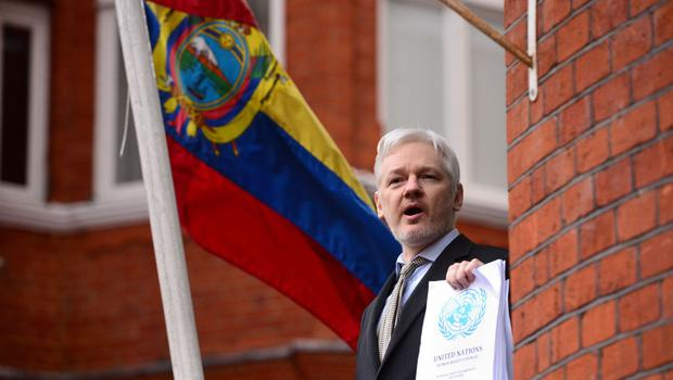Julian Assange speaking from the balcony of the Ecuadorian Embassy