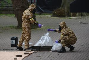 Military personnel at the site near the Maltings in Salisbury where Sergei and Yulia Skripal were poisoned (Ben Birchall/PA)