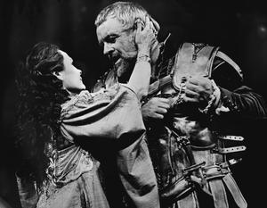 Judi Dench as Cleopatra and Anthony Hopkins as Mark Antony during rehearsals for the National Theatre's production of Antony and Cleopatra in 1987 (PA)