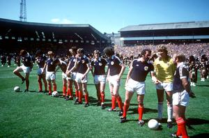 Archie Gemmill and the team