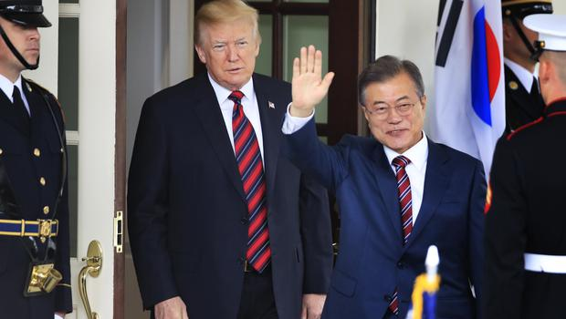 Moon Jae-in is welcomed by Donald Trump to the White House (Manuel Balce Ceneta/AP)