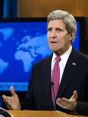 US Secretary of State John Kerry warns Russia faces wide-ranging sanctions over Ukraine