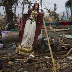 Churches in parts of the Philippines destroyed by Typhoon Haiyan are holding Sunday services
