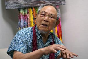 Lee Jong-keun speaks his experience of the atomic bombing (Eugene Hoshiko/AP)