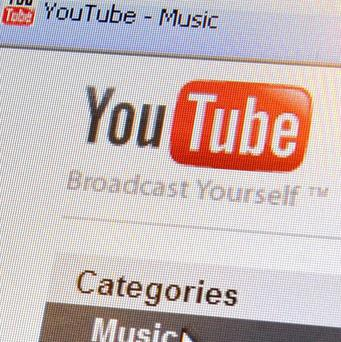 A Cairo court has ordered that the website YouTube be banned in Egypt for 30 days