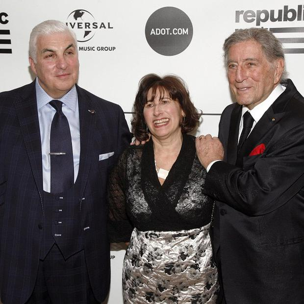 Mitch Winehouse, Janis Winehouse and singer Tony Bennett attend the Amy Winehouse Foundation Inspiration Awards (Andy Kropa/Invision/AP)