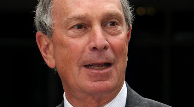 New York Mayor Michael Bloomberg has backed Mairtin O Muilleoir