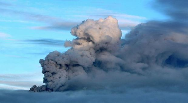 A plume of volcanic ash rises from the Popocatepetl volcano in Mexico (AP/Arturo Andrade)