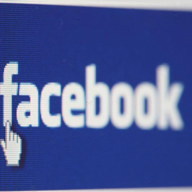 Facebook has apologised after one of its advertisers used a picture of a dead girl