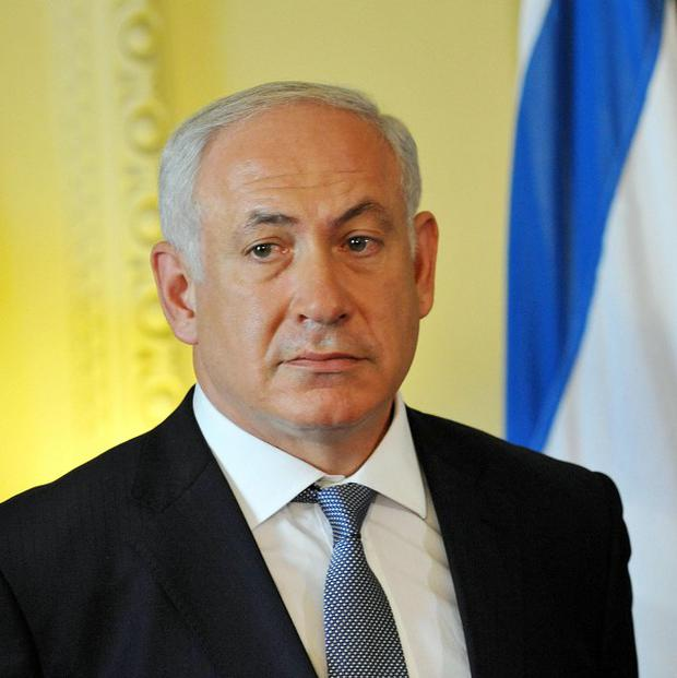 Israeli Prime Minister Benjamin Netanyahu is travelling to meet US President Barack Obama