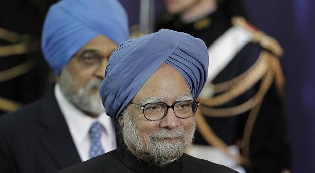 Indian prime minister Manmohan Singh is to boycott the Commonwealth summit, an official says.