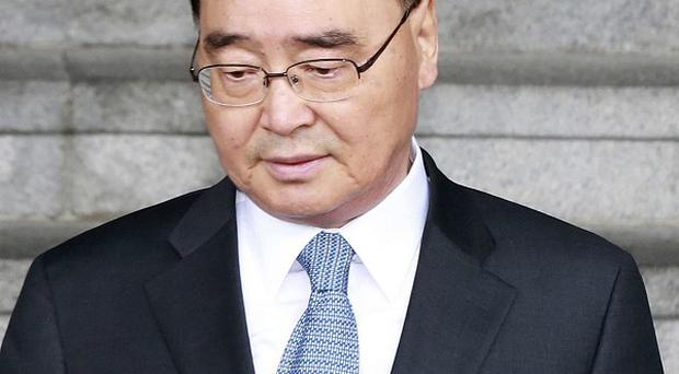 Chung Hong-won told his cabinet that the search of the sunken ferry must be complete by Saturday