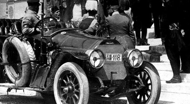 Archduke Franz Ferdinand embarks on his last journey in Sarajevo.