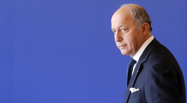 French foreign minister Laurent Fabius has called for a UN meeting over the situation in Iraq