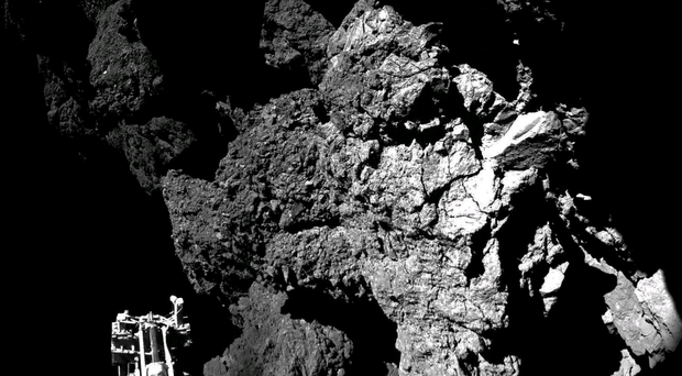 Surface of the comet seen from the lander
