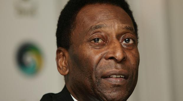 Pele used his official Twitter account to deny reports that his condition had worsened
