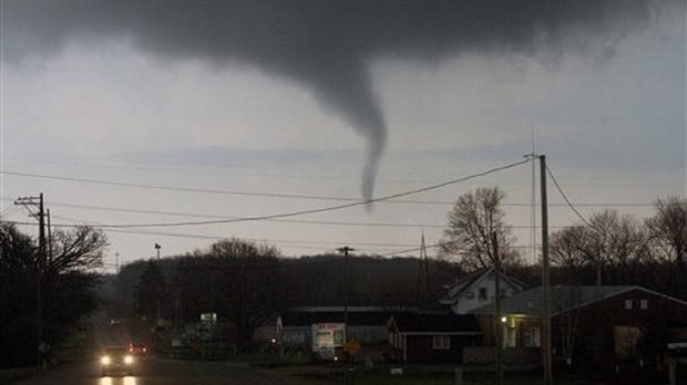 A funnel cloud crosses south of Interstate 39 in Rockford, Illinois (AP/Rockford Register Star, Max Gersh)