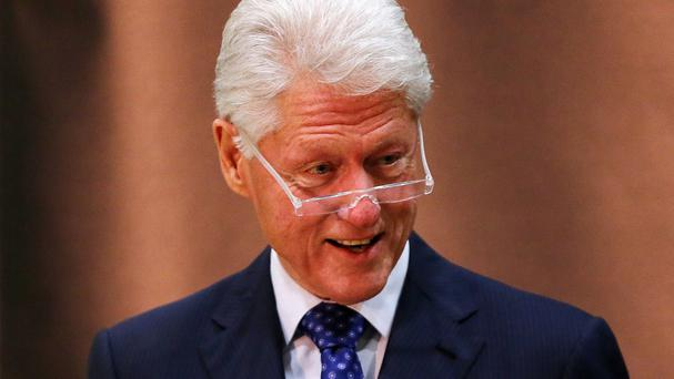 A plane carrying former US president Bill Clinton made an emergency landing