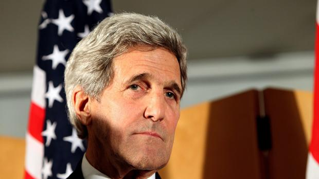 US Secretary of State John Kerry says Russia has offered talks over the situation in Syria.